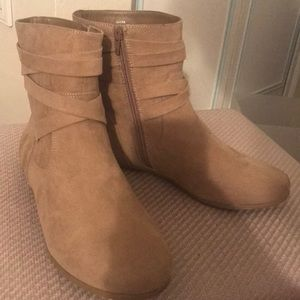 NWOB Just Fab Ankle Boots